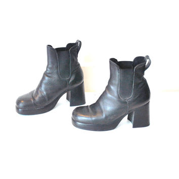 size 8.5 PLATFORM chelsea boots vintage 80s 90s CHUNKY club kid platforms ROOTS black leather slip on booties
