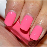 essie nail polish knockout pout