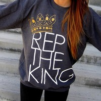 REP THE KING Sweatshirt - Dark Heather by XEALOTS