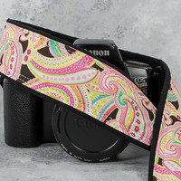 dSLR Camera Strap, Light Pink Paisley, Canon Nikon Strap, Camera Neck Strap, Photographer, SLR, 42 w