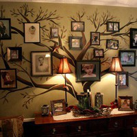 Dream and Build / Family Tree Picture Wall Idea