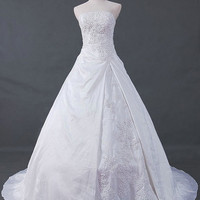 A-line/Princess Strapless Chapel Train Taffeta Wedding Dresses With Embroidery Beading Free Shipping