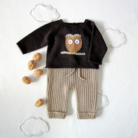 Knitted sweater, ribbed pants set in camel and brown with a felt owl. Newborn. 100% wool.