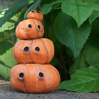 stack o' jack o' lanterns by dancesippydance on Etsy
