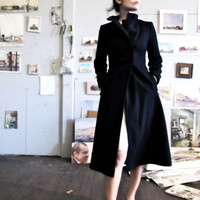 Vintage Navy Blue Wool Coat  Fitted &amp; by GinnyandHarriot on Etsy