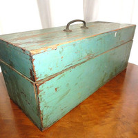 Vintage Wooden Supply Box Rustic Green Lift by bluebonnetfields