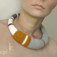 knitted okapi necklace