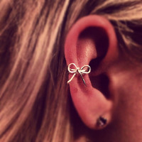 Bow Ear Cuff