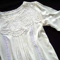 Anthropologie Tucked Wisteria Lace & Pleat White Blouse Top / Tunic 6-C19 M