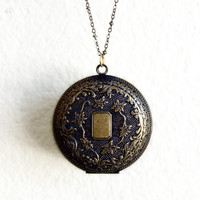 Locket Up Necklace | By Kaida