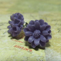 Purple Flower Studs Resin Flower Cabochon with Silver by EbonFlow