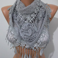NEW - Gorgeous Scarf   Elegant and Classy...light gray