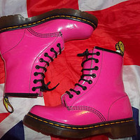 Mint Cond*Glossy Hot Pink Patent Leather Dr Martens*Doc Martins*Kitsch*Quirky*3