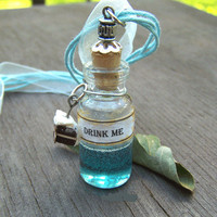 Alice in Wonderland DRINK ME Potion Bottle Necklace Glass Vial Pendant Jewelry Party Favor