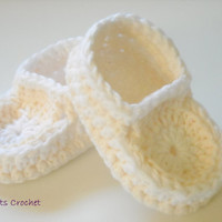 Crochet Baby Moccasins Slippers Toddler Booties White & Cream Sizes From 3 Months to 24 Months Handmade