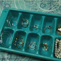 Jewelry Organization in an Ice Cube Tray!