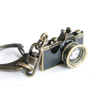 Black Camera Keychain / keyring (R019)