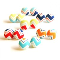 Chevron Button Covered Stud Earring.. on Luulla