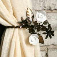 Garden Party Curtain Tie-Back