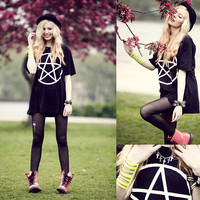 PANDA EYES SHOP — PENTACLE Tee