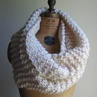 Super Snuggly Chunky knit cowl Cream by Happiknits on Etsy