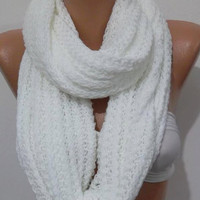 ON SALE  UNISEX  Elegant and soft  Infinity Scarf  Circle Scarf   Knit Fall Scarf  White...Christmas gift idea