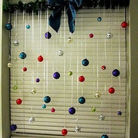 Christmas Window Decor (A Frugal Idea)