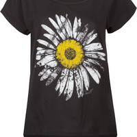 O&#x27;NEILL Daisy Garden Womens Tee 203401100 | Graphic Tees &amp; Tanks | Tillys.com