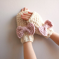 fingerless mittens with bow
