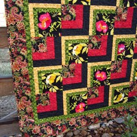 Bold And Beautiful Quilt on Luulla