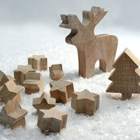 Christmas wooden set. 11 stars, one moose and a tree. Salvaged oak covered by white wax. Perfect toys.