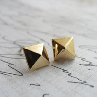 Gold pyramid stud earrings - square stud earrings