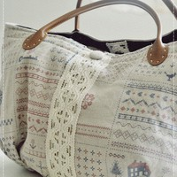 Madisyn Weekend Tote Bag on Luulla