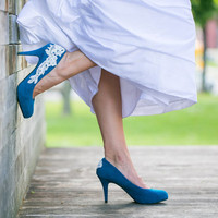 Wedding Shoes. Teal Blue Wedding Shoes with Ivory Lace Applique. US Size 6