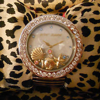 Betsey Johnson Silvertone Fish Shell Nautical Shake Floating Charm Watch RARE