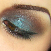 Mineral Eye Shadow in Diego..  Color Shifter.  MOI Cosmetics
