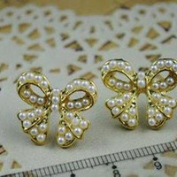 Betsey Johnson Restore ancient ways beads butterfly Ear hammer E081