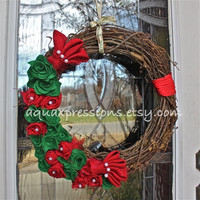 Christmas Grapevine Wreath/ Green, Red Felt, Burlap Flowers/ Pearl Embellishment/ Red Twine/ Door Decoration