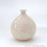 Modern Minimalist Wheel Thrown Ceramic White Round Bottle Dried Flower Bud Vase Home Decor