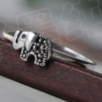 Cute elephant ring for woman, handcrafted guaranteed, authentic silver! Ships free! Only 3 left. by ClothLess