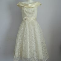Vintage 1950s Cream and Silver Lace Mad Men Boat by MadMakCloset