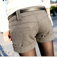 Women's Winter fashion Woolen cloth edge shorts 4 size
