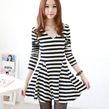New Autumn Arrivals Korean Fashionable V Neck Broad Stripes Dress For Women