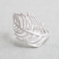 Feather ring in Silver