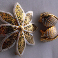 Damascene Brooch and Clip Earrings Spain by GiltyGirlVintage