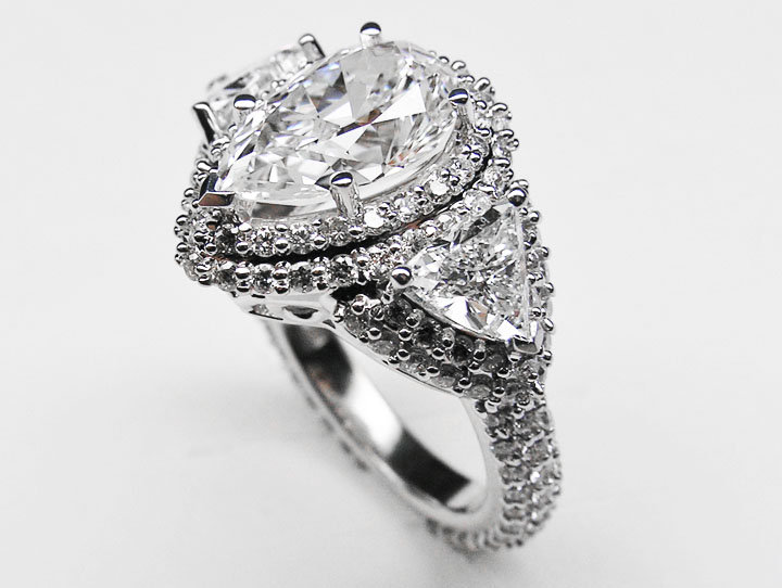 Engagement Ring Pear Shape Diamond from MDC Diamonds