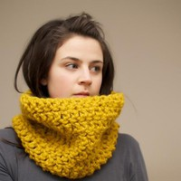 Chunky Crochet Cowl In Mustard Yell.. on Luulla