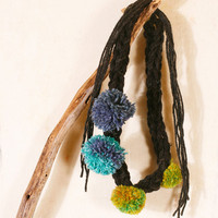 Knit neckalce Crochet necklace Pompom necklace Black green blue Winter accessories Gift for her Warm necklace Cozy necklace Fiber necklace