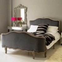 The Antoinette Kingsize Bed