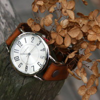 English Autumn Traditional Leather Watch in Tan